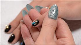Japanese Nail Art Jade Stone on Gold Flower Motif